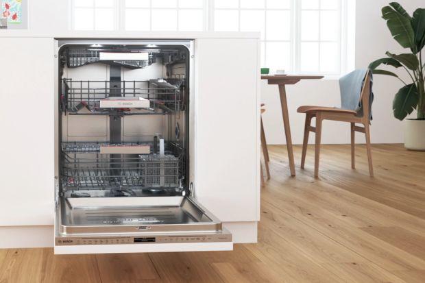 Dlaczego warto korzystać ze zmywarki? Jakie są zalety mycia naczyń w zmywarce? Czy automatyczne zmywanie jest oszczędne? Podpowiadamy. Sprawdź,jakie nowoczesne i niezawodne rozwiązania warto mieć w swojej zmywarce.