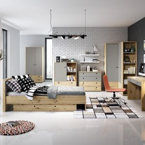Dodatki i akcesoria nie tylko dekorują oraz ożywiają wnętrze, ale także pomagają utrzymać porządek i zorganizować przestrzeń. Na zdjęciu: meble z kolekcji Kuki. Fot. Salony Agata