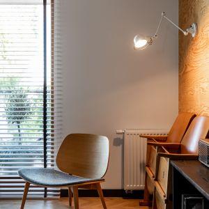 W mieszkaniu swoje miejsce znalazło wiele mebli i dodatków z duszą. Projekt wnętrza: Barbara Klimek, Pracownia Barak. Zdjęcia: Jakub Nanowski, Perspektywa