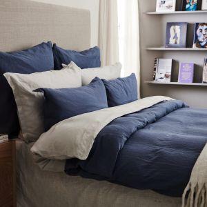 Ciepła i przytulna sypialnia. Fot. Westwing