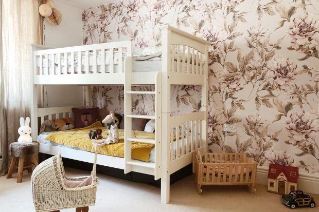 Jak wykończyć ściany w pokoju dziecka? Szukasz inspiracji? Zobacz świetne pomysły na wykończenie ściany w pokoju dziecka tapeta. To sprawdzony sposób na piękną aranżację przestrzeni malucha.