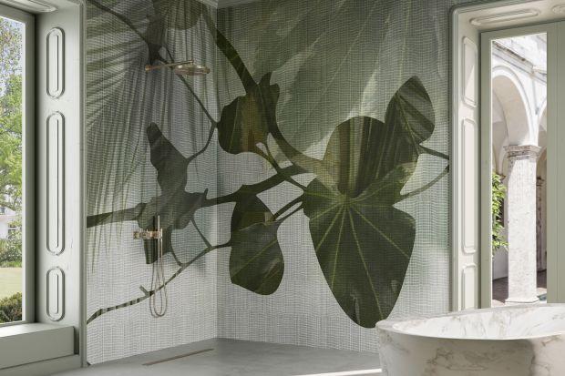 Kojąca biel rodem z malowanych wapnem domów, zieleń roślin sportretowanych w niezwykle sugestywny sposób i chyba wszystkie odcienie koloru niebieskiego, jakimi mieni się Morze Tyrreńskie. A oprócz tego mocne pociągnięcia pędzla na wyrazistych t