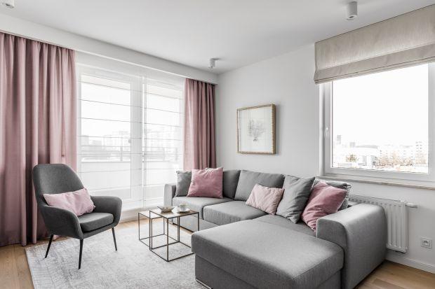Minimalizm to jeden z najpopularniejszych trendów w urządzaniu wnętrz. Doceniamy go za prostotę, harmonię i elegancję. Jak urządzić dom w stylu minimalistycznym i jakie dekoracje okienne dobrać, aby dopełniły całą aranżację?