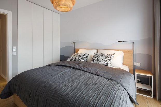 Jak urządzić sypialnię? Jakie kolory wybrać? Leszy będzie kolor szary czy biały? Zastanawiasz się? Mamy dla ciebie kilka gotowych aranżacji sypialni w jasnych kolorach. Zobaczpiękne zdjęcia.