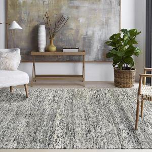 Ręcznie tkany dywan może powstawać nawet z 150 000 supełków. Na zdjęciu dywan marki Samarth, który tkany jest w Indiach. Fot. mat. prasowe