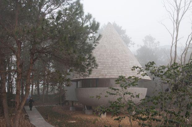 Myślisz, że widziałeś wszystko? Ten niezwykły dom w kształcie grzyba cię zadziwi!