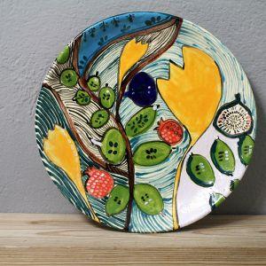Ręcznie malowana ceramika z polskiej pracowni rzemieślniczej Studio Mini Forma. Maluje je artystka plastyk Monika Kubiaczyk-Cygan. Można je kupić w sklepie Pakamera. Fot. Studio Mini Forma