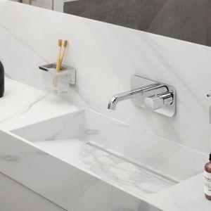 Modna łazienka. Baterie do łazienki z kolekcji Meandro. Fot. Fdesign