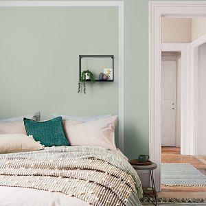 Miętowa szarość - jeden z trendów kolorystycznych w 2021 roku. Modne kolory ścian 2021. Fot. Dulux