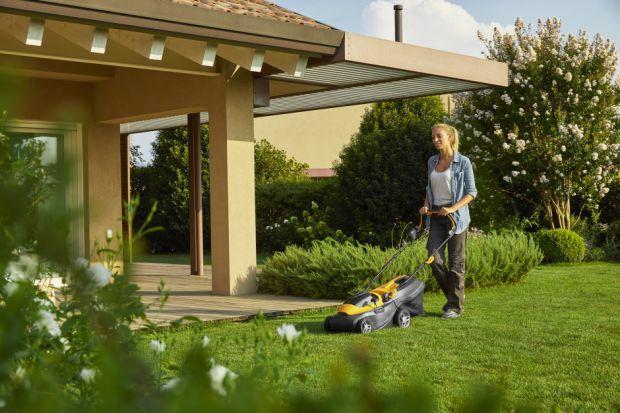 Nowoczesne urządzania akumulatorowe ułatwią Ci prace w ogrodzie ipomogą realizować ogrodnicze pasje. Są niezwykle wydajne, ciche, wytrzymałe i łatwe w użyciu.Odpowiedni sprzęt znajdą dla siebiezarówno właściciele małych ogrodów, jak