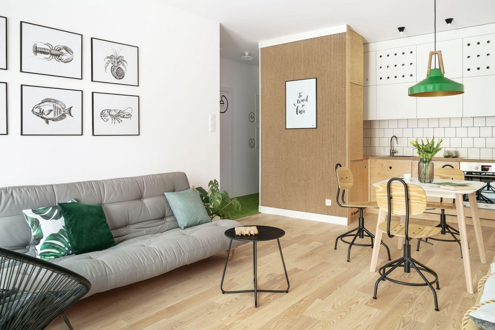 Salon z kuchnią w bloku. Projekt Maka Studio (Daria Pawlaczyk, Aleksandra Kurc). Fot. Tom Kurek