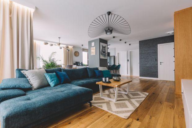 Architekci i projektanci podkreślają, że podłoga jest najistotniejszym elementem wystroju wnętrza. Do niej właśnie dobierane są zwykle pozostałe elementy wyposażenia. Podłoga decyduje w ogromnej mierze o stylu i charakterze mieszkania. Właści