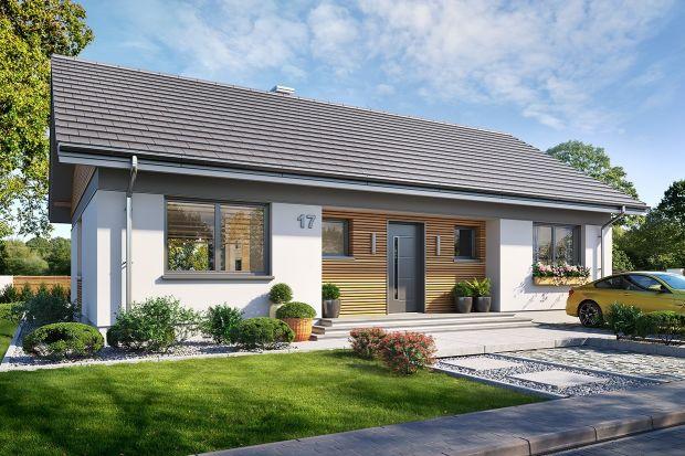 Szukasz fajnego projektu domu parterowego? Chcesz, aby był nowoczesny i niedrogi w budowie? Mamy dla Ciebie świetną propozycję. Projekt niedużego domu parterowego z pięknym, wygodnym wnętrzem. Zobacz koniecznie!<br /><br /><br />
