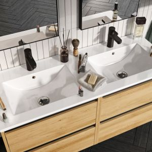 W łazience hygge nie może zabraknąć miękkich, miłych w dotyku materiałów tekstylnych. Fot. Defra
