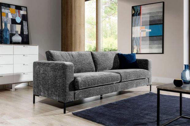 Jaka sofa do małego salonu? Lepsza będzie sofa czy narożnik do małego salonu? Jaki kolor sofy wybrać do małego salonu? Podpowiadamy! Sprawdź jaką sofą najlepiej wybrać do małego salonu.<br /><br /><br />