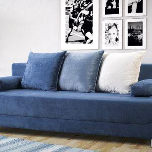 Sofa do małego salonu w niebieskim kolorze z kolekcji Alisa. Dostępna w ofercie firmy Libro. Fot. Libro