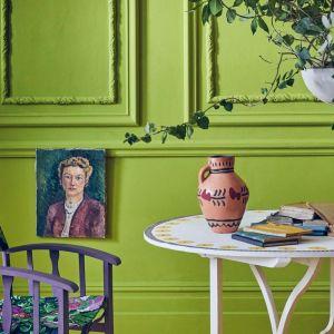 Żywa zieleń, śliwkowy i musztardowy to nowe kolory farb kredowych Annie Sloan Chalk Paint . Fot. Annie Sloan