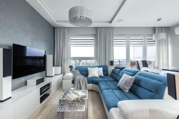 Nowoczesny salon jest wygodny, funkcjonalny i pięknie wygląda. Jeśli urządzisz go w jasnych kolorach będzie też przestronny i elegancki. Jak to zrobić? W naszym przeglądzie znajdziesz pomysły na urządzenie nowoczesnego salonu w jasnych kolorach.