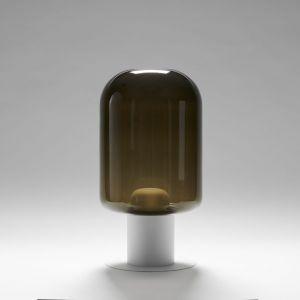 Bogata rodzina lamp Xilo obejmuje zarówno modele stojące, jak i wiszące. Fot. Labra