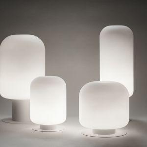 Unikalność rzemiosła w lampach Xilo można dostrzec też w detalach, takich jak możliwe fladry, czyli drobne pęcherzyki powietrza naturalnie powstające podczas ręcznego dmuchania. Fot. Labra