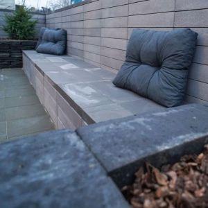 Elementy Neo doskonale nadają się do stworzenia ogrodowych betonowych mebli, grilla, kwietników lub obudowy fontanny.
