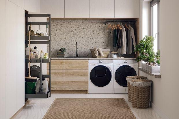 Oddzielna pralnia to bardzo wygodne rozwiązanie, na które właściciele domów jednorodzinnych i dużych mieszkań decydują się coraz chętniej i coraz częściej. Jak ją urządzić, by była funkcjonalna? I co zrobić, gdy nie możemy przeznaczyć n