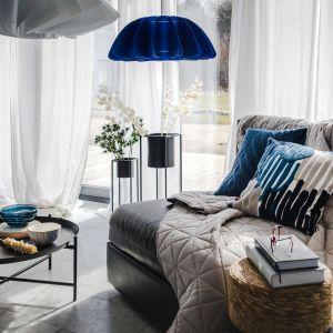 Wnętrza urządzone w stylu marynistycznym zachwycają świeżością i beztroską właściwą przytulnym, wakacyjnym domkom na plaży. Fot. Home&You