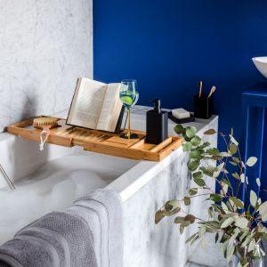 W kolekcji Ocean Vibe znajdziesz w niej elementy wykonane z wikliny, juty i bawełny. Fot. Home&You