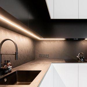 Szynoprzewody z oprawami Petpot next LED od AQForm idealnie sprawdziły się w kuchni. Realizacja i zdjęcia: MÁS Estudio