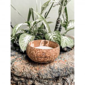 Świeca kokosowa Monnarita Koa przywołuje wspomnienia, przypomina o miłych chwilach, relaksuje. Cena: 59 zł.