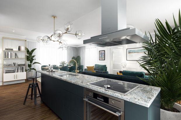 Wolnostojące wyspy kuchenne doskonale prezentują się w większych pomieszczeniach, w szczególności w kuchniach otwartych na salon. Przy odpowiednim doborze umeblowania i miejsca na sprzęt AGD, świetnie komponują się także z resztą przestrzeni,
