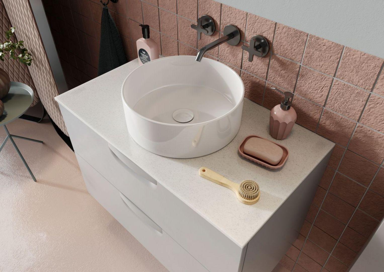 Blaty kompozytowe w łazience. Na zdj. Defra Flou