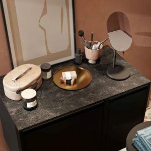 Blaty kompozytowe w łazience. Na zdj. Defra Fonte