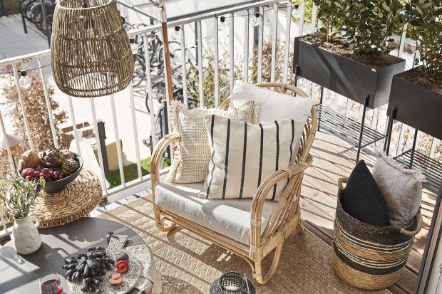Jak zaaranżować balkon w bloku? Jakie meble, dodatki i dekoracje są na topie w roku 2021? Wybraliśmy 5 najgorętszych trendów na lato 2021!