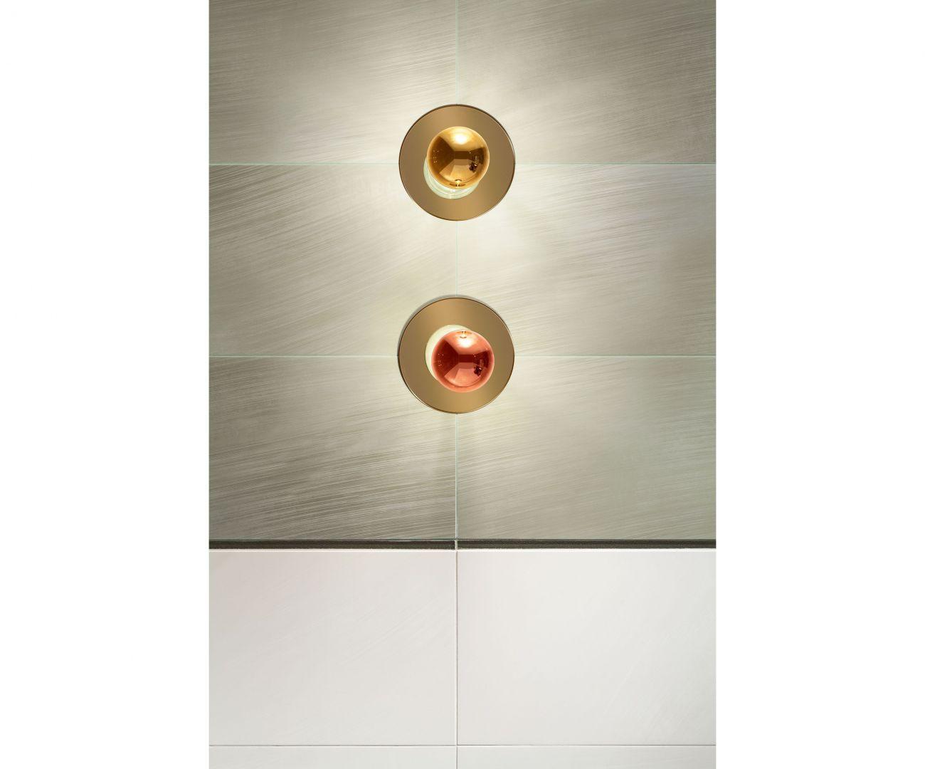 Ulotność wiatru w kolekcji Brass została zatrzymana w szklanym, połyskującym dekorze. Fot. Tubądzin