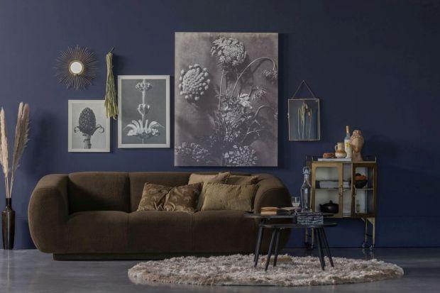 Modne dekoracje ściany. Przepis na udaną aranżację salonu