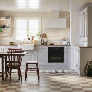 Biała kuchnia w stylu skandynawskim. Fot. Mabodal