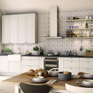 Biała kuchnia w stylu skandynawskim. Fot. Marbodal