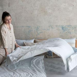 Pościel bawełniana to uniwersalny wybór do sypialni. Fot. Bonami.pl
