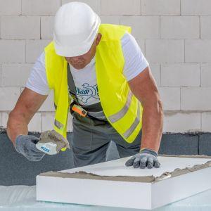 Wsparcie programów rządowych (np. Czyste Powietrze, Stop Smog, Mój Prąd) w zakresie renowacji domów dotyczy i zmniejszenia zapotrzebowania na energię i zmiany źródeł z jakich ta energia jest pozyskiwana. Fot. Styropmin