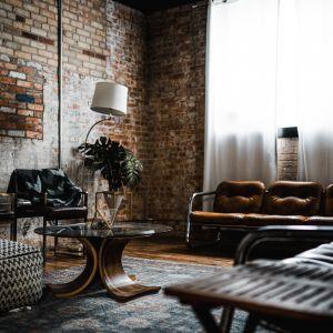 """Posiadanie własnoręcznie odnowionych mebli stało się synonimem indywidualizmu. I to jest właśnie powód, dla którego tak wiele osób decyduje się na mieszkanie w stylu vintage.Fot. WPBM """"Mój Dom"""""""