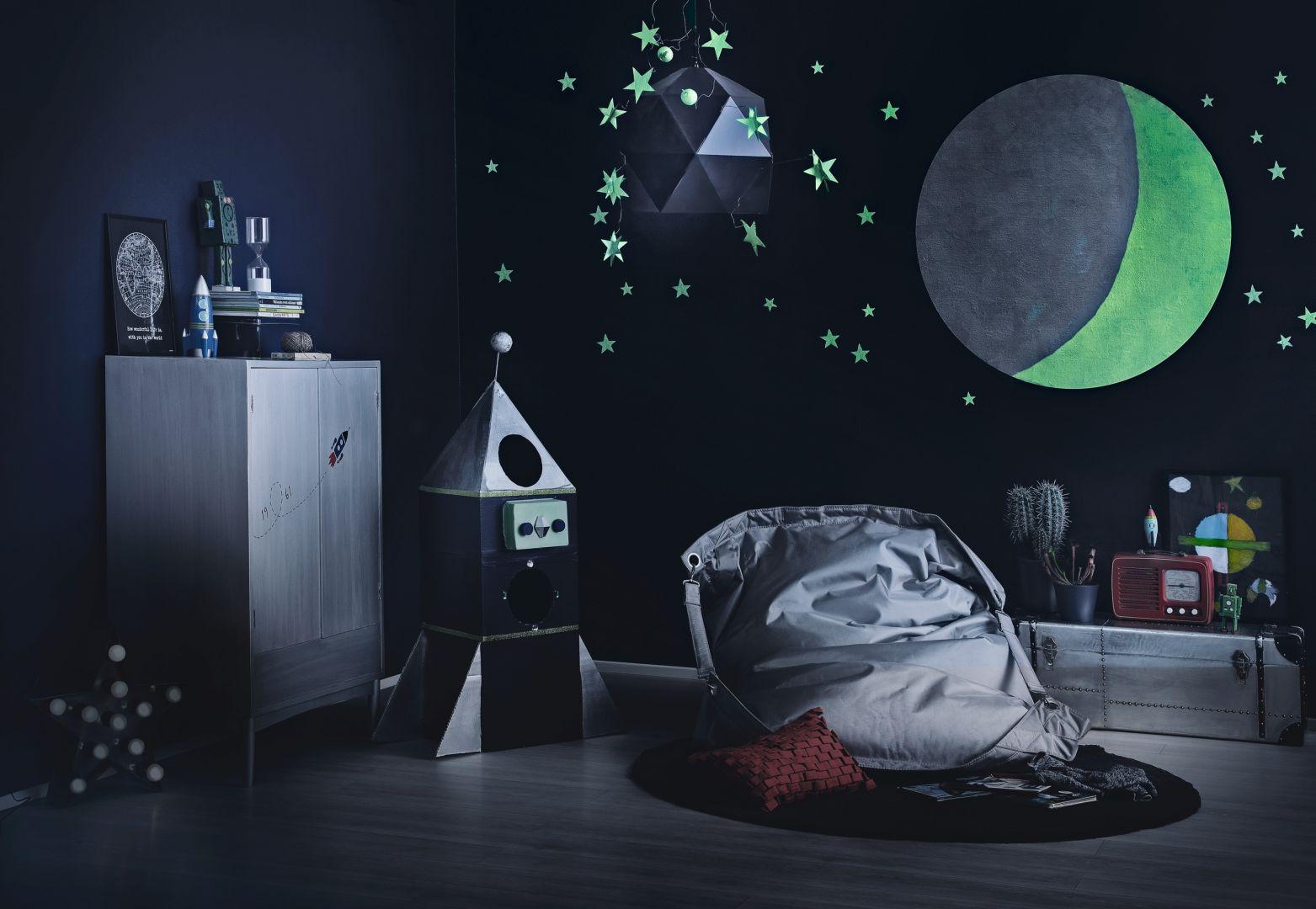 Pomysł na dekorację ściany w pokoju dziecka. Na zdj. Tikkurila Taika Glow
