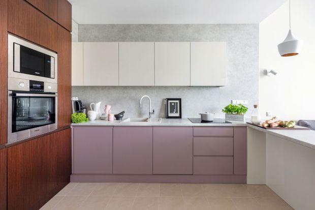 Jakstosować kolor różowy do kuchni? Z czym łączyć kolor różowy w kuchni?Szukasz pomysłów? Mamy dla ciebie praktyczne porady i piękne zdjęcia. Zobacz efektowane kuchnia w różowym kolorze.<br /><br /><br />