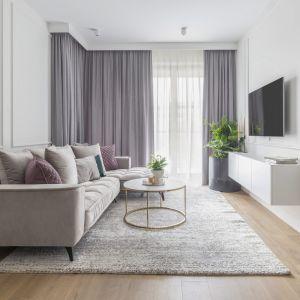 Jasna kolorystyka nie tylko rozświetli nasze mieszkania, ale także dzięki swoim właściwościom, wprowadzi do nich spokój i harmonię. Projekt Naboo Fot. Pion Poziom