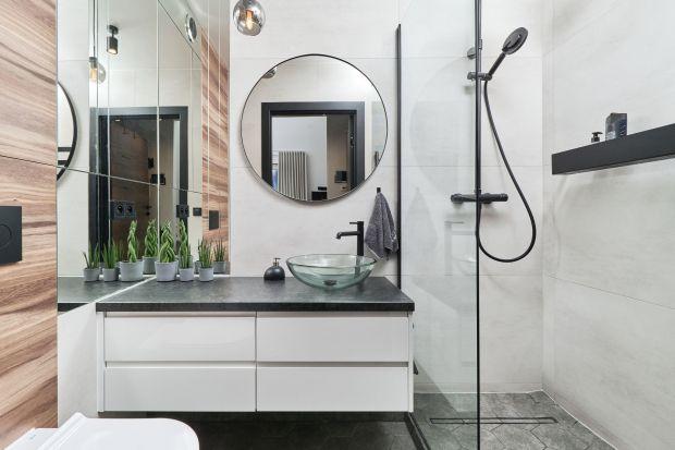 Jak urządzić małą łazienkę w bloku? W małej łazience lepsza będzie wanna czy prysznic? Jakie płytki wybrać do małej łazienki? Szukasz pomysłów? Mamy dla ciebie praktyczne porady jak urządzić małą łazienkę w bloku i piękne zdjęcia.