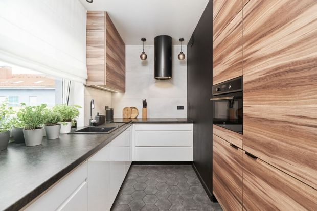 Płytki, szkło, cegła, tapeta. Co wybrać na ścianę nad blatem w kuchni? Który materiał będzie najlepszy? Szukasz inspiracji? Świetne pomysły na wykończenie ściany nad blatem w kuchni znajdziesz w naszym przeglądzie. Zobacz wszystkie.