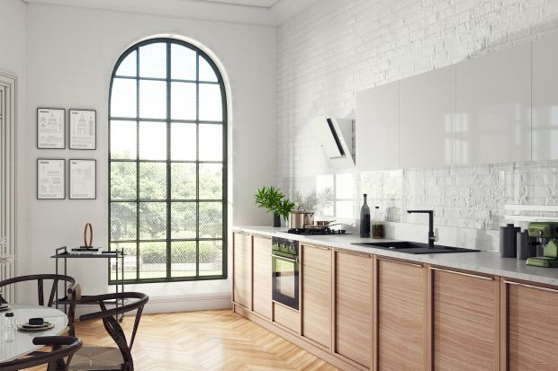 Jakie kolory są modne? Jasne czy ciemne, stonowane czy intensywne? Podpowiadamy: biel, czerń i chrom. Obejrzyjcie świetny pomysł na kuchnię!