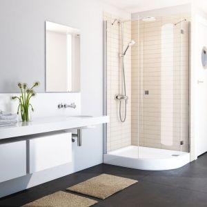 Jednym z głównych wyznaczników dobrze zaprojektowanej strefy prysznicowej jest jej bezpieczeństwo związane z minimalizowaniem ryzyka poślizgnięcia i upadku. Fot. Schedpol