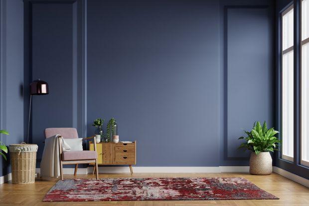 Dywan w salonie ociepli każde wnętrze. Doda mu przytulności i klasycznej elegancji. Szczególne piękne bije z ręcznie tkanych dywanów.