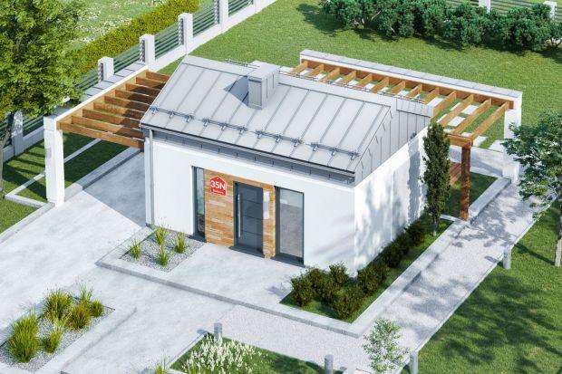 Czy chcemy mieszkać w domach do 35 m2? Wolimy mały dom czy raczej mieszkanie w bloku? Sprawdzamy, jakie są aktualne potrzeby mieszkaniowe Polaków. Pokazujemy też piękne i wygodne projekty domów do 35 m2.<br /><br />